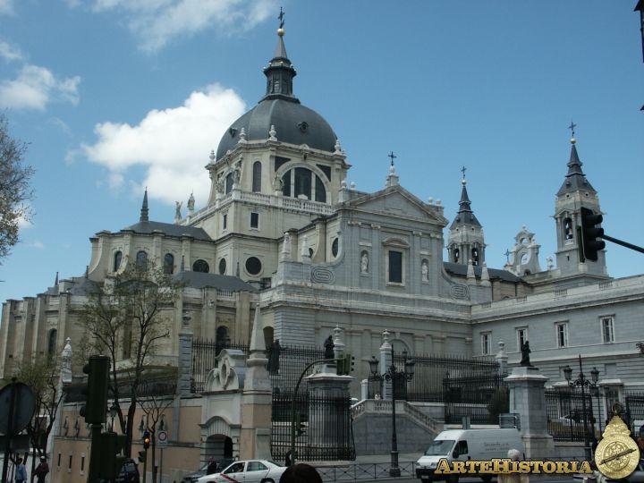 santa maria la real de la almudena espana